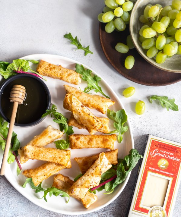 Recipe -  Crispy Grand Cheddar cheese and honey rolls